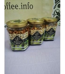 Кедровый орех в сиропе из сосновых шишек 200 гр