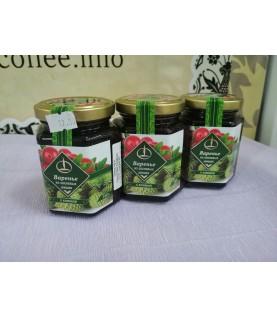 Варенье из сосновых шишек с клюквой